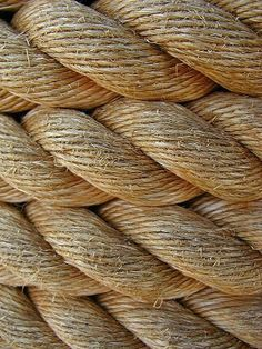 This picture of rope, shows the element of texture. The photo really captures the rough, dry texture of the material. Textile Texture, 3d Texture, Texture Design, Natural Texture, Texture Drawing, Texture Images, Visual Texture, Organic Forms, Foto Macro