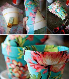 Potjes versieren met een lapje stof en behanglijm. Leuk idee !!