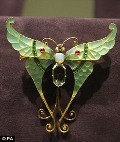 from Elizabeth Taylor's jewelry