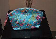 Pip toilet bag basic,toilettas,Chinese Roos  kleur :bleu