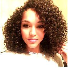 27 Stunning Natural-Looking Crochet Braids Crochet Weave Hairstyles, Curly Crochet Hair Styles, Crochet Braid Styles, Curly Hair Styles, Natural Hair Styles, Crotchet Braids, Corte Bob, Pelo Afro, Short Wavy Hair