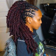 """GM 🥀 this Burgundy & twist Is everything! 😍 (Swipe screen) """"This look is gorgeous on her"""" 🥰 👉🏾Colorist: 👉🏾Style: lobster braids & rope twist 👉🏾Stylist: 👑 . African Braids Hairstyles Pictures, Short Locs Hairstyles, Cool Hairstyles, Dreads Styles For Women, Natural Hair Styles, Short Hair Styles, Dreadlock Styles, Locs Styles, Beautiful Dreadlocks"""