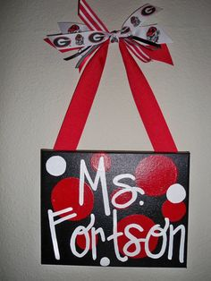 These would be so cute as teacher gifts or outside dorm rooms!