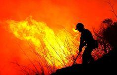El incendio de La Palma se descontrola de madrugada en Mazo con evacuaciones de vecinos 7 agosto