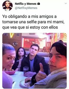 Read 1 4 4 from the story Memes de Riverdale uwu by LylaHernandezZ (☉ sUn ☉) with 959 reads. Memes Riverdale, Watch Riverdale, Bughead Riverdale, Cole M Sprouse, Dylan Sprouse, Funny Spanish Memes, Funny Memes, Dakota Blue Richards, Archie Comics Riverdale