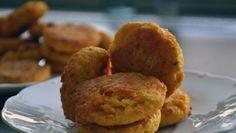 Fotorecept: Cicerovo-mrkvové placky Baked Potato, Muffin, Potatoes, Baking, Breakfast, Ethnic Recipes, Food, Bread Making, Morning Coffee