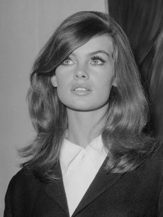 highqualityfashion:  Muses: Jean Shrimpton (1942-)