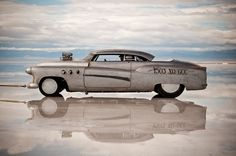 The straight 8 powered Buick Bombshell set a new XO/GCC (vintage overhead cam, Gas Comp Coupe) class record at 141MPH.   (via LE CONTAINER)