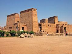 Tours en Egipto, El Templo de Edfu http://www.espanol.maydoumtravel.com/Paquetes-de-Viajes-Cl%C3%A1sicos-en-Egipto/4/1/29
