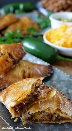 Cheesy Ground Beef Empanadas are full of deliciously seasoned ground beef, loaded with two types of cheese and then baked to perfection. Beef Recipes For Dinner, Ground Beef Recipes, Mexican Food Recipes, Cooking Recipes, Easy Recipes, Spaghetti With Ground Beef, Beef Empanadas, Tamale Recipe, Creole Recipes