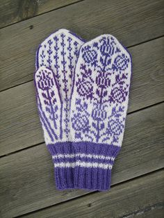 Ravelry Ravelry: THISTLE mittens pattern by Natalia Moreva - Mittens Pattern, Knit Mittens, Knitted Gloves, Knitting Socks, Knit Socks, Knitting Stitches, Knitting Patterns, Crochet Patterns, Knitting Ideas
