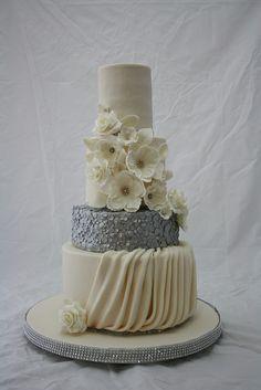 Marissa's wedding cake   Flickr - Photo Sharing!