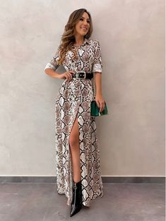 Dress With Sneakers, Dress With Boots, Dress And Heels, Beautiful Dresses, Nice Dresses, Vestidos Animal Print, Boho Fashion, Fashion Looks, Animal Print Outfits