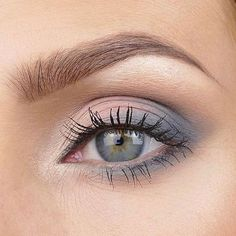 Blue Eyeshadow Looks Brown Eyes; Eyeshadow Looks Pink near Tutorial Eyeshadow Natural Nyx. Eyeshadow Looks For Navy Blue Dress Eye Makeup Remover, Eye Makeup Tips, Makeup Hacks, Makeup Inspo, Face Makeup, Makeup Ideas, Gray Eye Makeup, Makeup Inspiration, Makeup Art