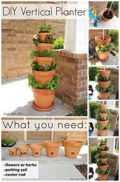 #verticalgarden Plantador Vertical, Jardim Vertical Diy, Vertical Garden Design, Vertical Planter, Herb Planters, Vertical Gardens, Small Gardens, Fence Planters, Flower Tower