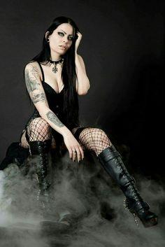 Punk Girls, Gothic Girls, Hot Goth Girls, Goth Beauty, Dark Beauty, Dark Fashion, Gothic Fashion, Style Fashion, Mode Emo