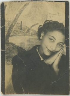 Black and White Vintage Photography: Take Photos Like A Pro With These Easy Tips – Black and White Photography American Women, African American History, American Life, Vintage Black Glamour, Vintage Beauty, Selfies, Vintage Photo Booths, Photos Booth, Vintage Pictures