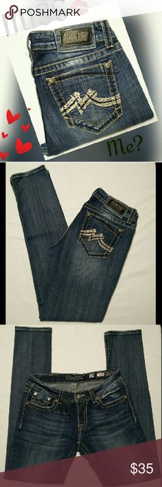 """MISS ME MEDIUM WASH SKINNY JEANS TAG SAYS SZ """"29"""" SUPER CUTE. ACTUAL MEASUREMENTS ARE AS FOLLOWED. LYING FLAT SIDE TO SIDE. WAIST 15"""" HIPS 18.5"""" RISE 8"""" INSEAM 31.5"""". PLEASE READ THESE BEFORE YOU BUY. THANKS. Tag size may differ from actual measurement due to them being preownend and being worn, washed and dried. MISS ME Jeans Skinny"""
