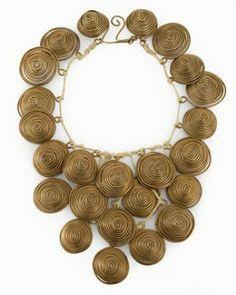 . . . identi chiC* ! ! !: La línea, reina en las joyas de Alexander Calder