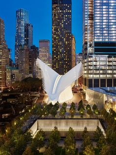 Santiago Calatrava, World Trade Center Oculus, New York | 25 Masterpieces That Prove 2016 Was an Incredible Year for Architecture