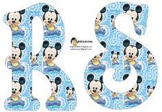 Oh my Alfabetos!: Alfabeto de Mickey Bebé en fondo celeste.