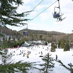 Why stay inside when there's tons of outdoor fun to be had in #CT this winter? Hit the slopes this holiday weekend for a downhill adventure!  #ctvisit #ExploreCT #connecticutgram #travelgram #winter #skiing #outdoorsUSA #VisitTheUSA