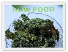 Spicy grønnkålchips med smak av taco! Raw Food Recipes, Spicy, Tacos, Herbs, Blogging, Raw Recipes, Herb, Medicinal Plants