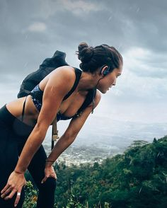 Thank you universe for rain, mountains, and music. Trail running with @beatsbydre Powerbeats2 Wireless headphones from @target. #ChargedUp #sp #trailrunning