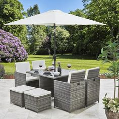 8 Seater Rattan Cube Outdoor Dining Set with Parasol - Grey Weave - In Stock Date - June 2020 - Modern Design Used Outdoor Furniture, Garden Furniture Sets, Dining Furniture, Modern Furniture, Grey Rattan Garden Furniture, Furniture Storage, Rustic Furniture, Antique Furniture, Outdoor Dining Set
