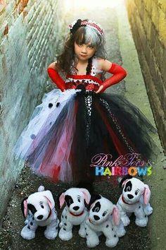 Cruella costume on girl