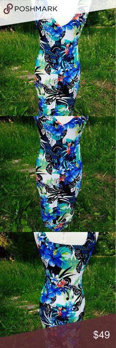 Va Va Voom Dress Lovely floral Va Va Voom dress. In good shape Va Va Voom Dresses Midi