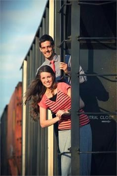Jill Duggar and Derick Dillard, who have been courting since November and were engaged on March recently took engagement photos in an. Duggar Family Blog, Duggar Wedding, Jill Duggar, Dugger Family, 19 Kids And Counting, Bates Family, First Baby, Engagement Pictures