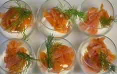 Bicchierini di salmone - Se cercate delle idee raffinate, ma molto facili e veloci da preparare considerate questi bicchierini di salmone.