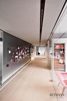 Reimann Interior & Design I Haut- und Laserzentrum Bavaria - Concrete Wall Elements, Glass Wall, Dinesen, Kreon Lightning, Kvadrat Soft Cells...
