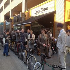 Tweed Ride Rotterdam was held on September 29, 2013. Your chance to show of your vintage and fixed gear bikes and dress up in style. It's all about future and past vintage. Bikes and Tweed, a day of Jolly good Fun!