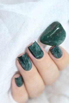 Marine Loves Polish - Easy stone marble nail art tutorial - Aventurine stone - smooshy stamping technique - smooshy nails - marble nails