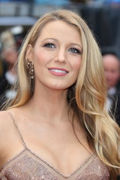 Maquillage Blake Lively, Blake Lively Makeup, Blake Lively Ponytail, Blake Lively Hair Color, Leighton Meester, Milla Jovovich, Christina Hendricks, Celebrity Hairstyles, Cool Hairstyles