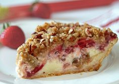 STRAWBERRY - RHUBARB PIE - Arrange fruit in a prepared pie shell. Cover with Eagle Brand® sweetened condensed milk mixed with an egg and lemon juice. Sprinkle with brown sugar, flour and chopped pecans, and bake. Rhubarb Desserts, Strawberry Rhubarb Pie, Strawberry Recipes, Easy Desserts, Delicious Desserts, Yummy Food, Easy Rhubarb Recipes, Rhubarb Rhubarb, Pie Recipes