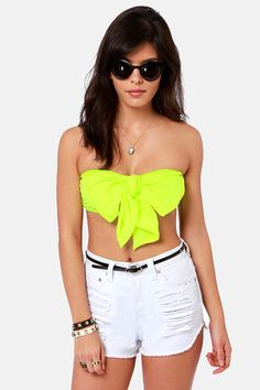 Neon yellow oversized bow bandeau top! Wear with shorts for a festival look or with a high waisted skirt and a blazer =) Get 7% Cash Back http://www.studentrate.com/itp/get-itp-student-deals/lulu-s-Student-Discount--/0