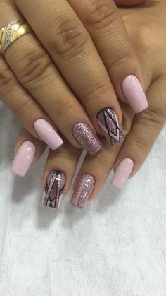 Fancy Nails, Love Nails, Pink Nails, Pretty Nails, Gold Glitter Nails, Cute Acrylic Nails, Nail Manicure, Gel Nails, Feather Nails