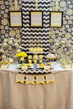 FREE {You Are My Sunshine} baby shower printables! Perfect theme for boy or girl <3 www.weheartparties.com