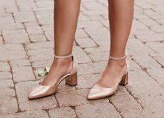 Rose gold + block heels = dream shoes. @airofsimplicity