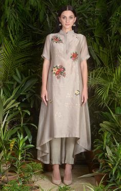 Buy Asymmetric embroidered kurta with pants by Sahil Kochhar at Aza Fashions Trajes Pakistani, Pakistani Dresses, Indian Dresses, Indian Outfits, Designer Salwar Kameez, Designs For Dresses, Dress Neck Designs, Casual Dresses, Fashion Dresses