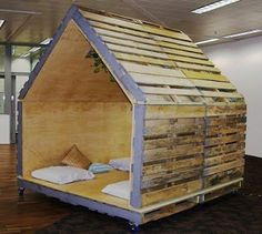 diy cubby house made of pallet wood