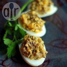 Jajka faszerowane pieczarkami z cebulą @Allrecipes.pl - http://allrecipes.pl/przepis/7001/jajka-faszerowane-pieczarkami-z-cebul-.aspx