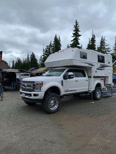 Top rated light weight truck campers for Ford, Dodge, and Chevy full size trucks. Best Truck Camper, Truck Camper Shells, Tow Truck, Powerstroke Diesel, Phase 4, Elk Hunting, Rv Campers, Whistler, Travel Trailers