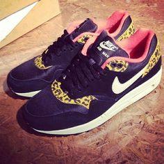 Nike + leopard