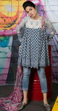 New Style Hippie Patterns Ideas Pakistani Fashion Casual, Pakistani Dresses Casual, Pakistani Dress Design, Indian Fashion, Short Kurti Designs, Kurta Designs Women, Stylish Dresses, Simple Dresses, Casual Dresses