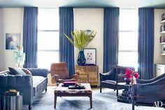 John Legend & Chrissy Teigen Apartment / Photo: William Waldron for Architectural Digest Manhattan Apartment, York Apartment, Apartment Design, Apartment Makeover, John Legend, Chic Living Room, Home And Living, Living Spaces, Living Rooms