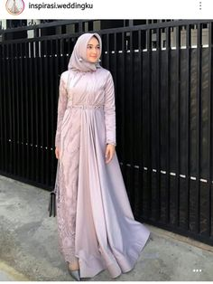 Discover recipes, home ideas, style inspiration and other ideas to try. Muslim Women Fashion, Modern Hijab Fashion, Abaya Fashion, Fashion Dresses, Dress Brokat Muslim, Dress Pesta, Muslim Dress, Hijab Dress Party, Hijab Style Dress